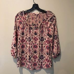 Floral long sleeve blouse! 👚 🌺